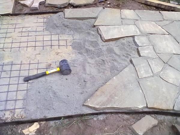 Камень для дорожки на даче