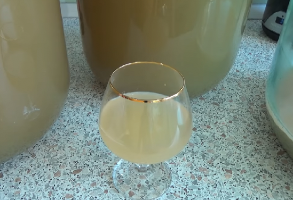 Простой рецепт вина из винограда
