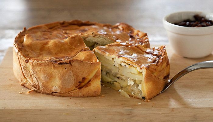 Картофельный пирог с луком