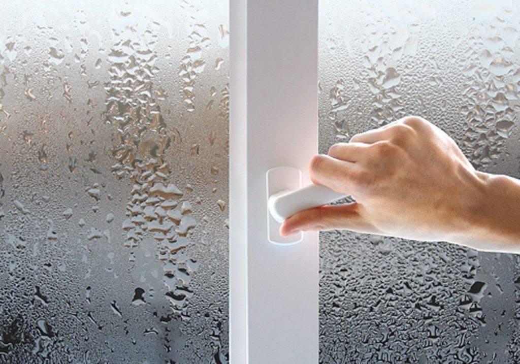 Почему потеют окна в доме пластиковые зимой