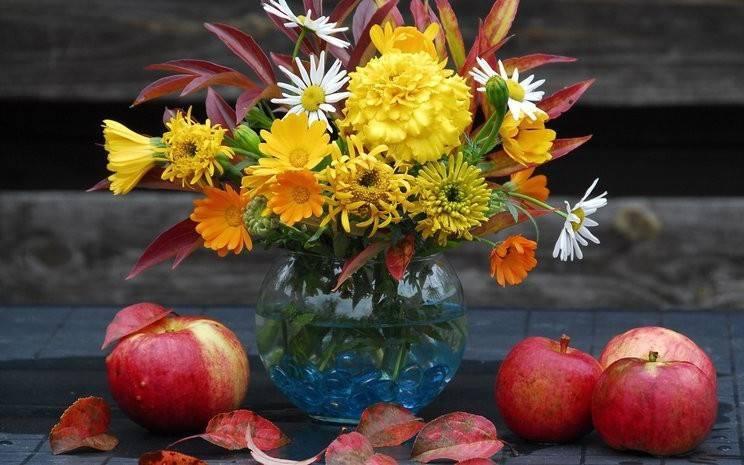 Осенний букет в корзине