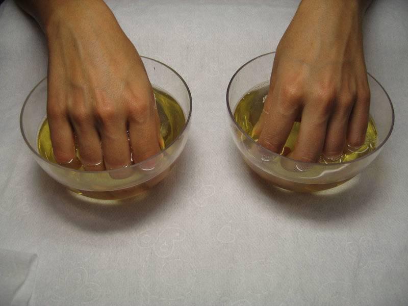 Как очистить ногти от грязи