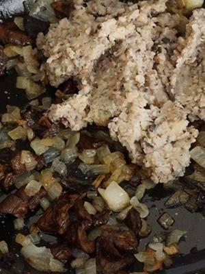 Начинка из соленых грибов для пирожков