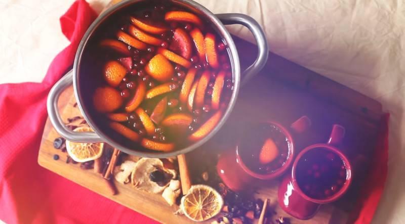 Как варить глинтвейн из красного вина дома