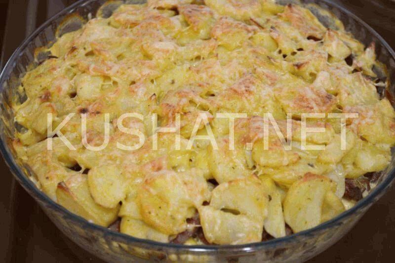 Тушеная картошка с колбасками