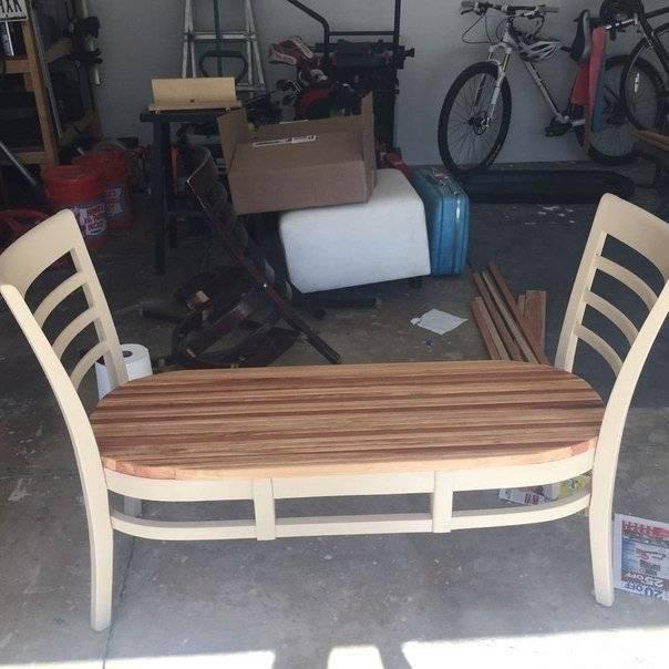 Лавочка из старых стульев
