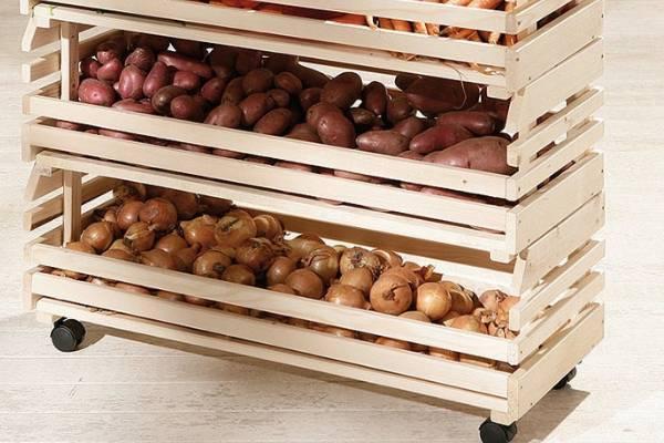 Как хранить картошку в квартире зимой