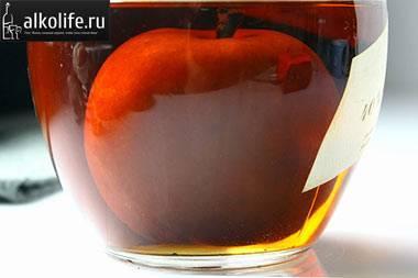 Как настоять спирт на яблоках