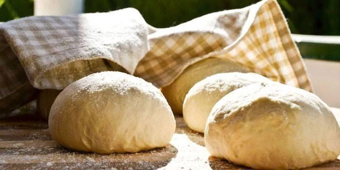 Как правильно приготовить дрожжевое тесто для пирогов