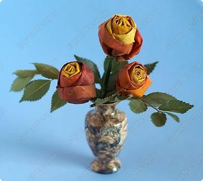 Розы из кленовых листьев фото