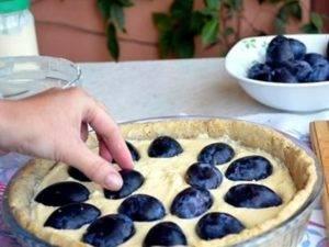 Песочный пирог со сливами от юлии высоцкой
