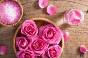 Лепестки роз применение в домашних условиях