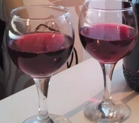Вино в домашніх умовах з винограду