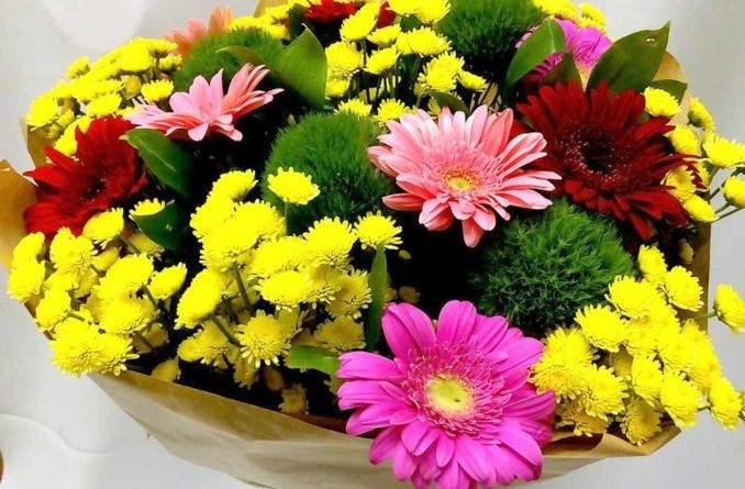 Популярные цветы для букетов фото и названия